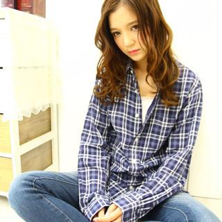 ゆるふわ シナモンベージュ 大人女子 小顔 ヘアスタイルや髪型の写真・画像