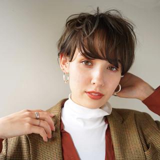 アンニュイほつれヘア ショート マッシュ ナチュラル ヘアスタイルや髪型の写真・画像 ヘアスタイルや髪型の写真・画像