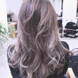 グラデーションカラー レイヤーカット ナチュラル アッシュ ヘアスタイルや髪型の写真・画像 ヘアスタイルや髪型の写真・画像