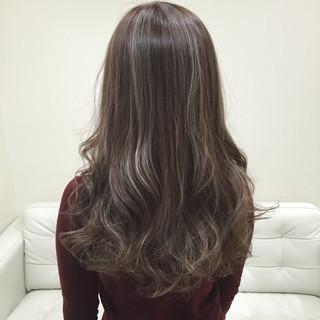 ロング 外国人風 ガーリー アッシュ ヘアスタイルや髪型の写真・画像
