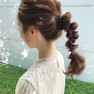 セミロング アンニュイほつれヘア ヘアアレンジ 簡単ヘアアレンジ ヘアスタイルや髪型の写真・画像