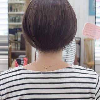 ハンサムショート ボブ ショートヘア フェミニン ヘアスタイルや髪型の写真・画像