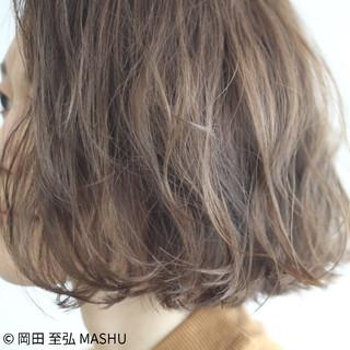 外国人風 小顔 ゆるふわ アッシュ ヘアスタイルや髪型の写真・画像