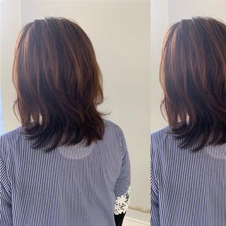 簡単ヘアアレンジ コテ巻き ミディアム 巻き髪 ヘアスタイルや髪型の写真・画像