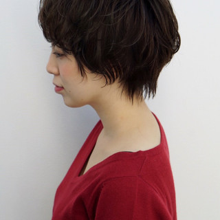 アッシュ 大人女子 ナチュラル ショート ヘアスタイルや髪型の写真・画像