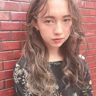 外国人風カラー ロング 大人ハイライト ハイライト ヘアスタイルや髪型の写真・画像