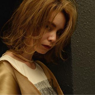外国人風 冬 ハイライト 色気 ヘアスタイルや髪型の写真・画像