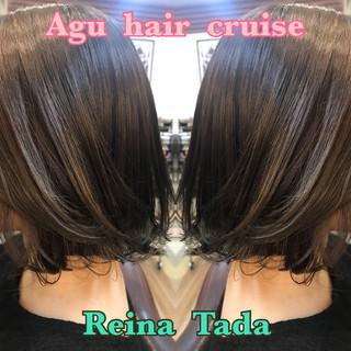 くすみカラー グレー エレガント 透明感 ヘアスタイルや髪型の写真・画像