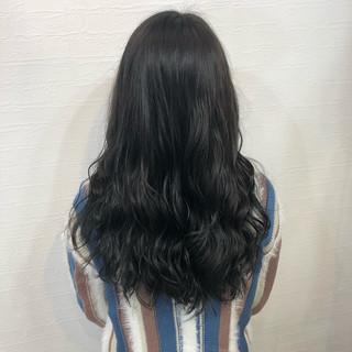 ブルージュ ナチュラル ネイビーブルー ロング ヘアスタイルや髪型の写真・画像