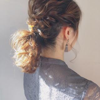 ミディアム ローポニーテール フェミニン ヘアアレンジ ヘアスタイルや髪型の写真・画像