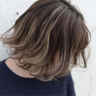 ストリート ハイライト ミディアム ゆるふわ ヘアスタイルや髪型の写真・画像 ヘアスタイルや髪型の写真・画像