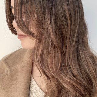 ロング ビーチガール レイヤーロングヘア グラデーションカラー ヘアスタイルや髪型の写真・画像 ヘアスタイルや髪型の写真・画像