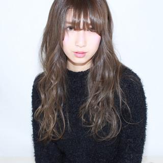 イルミナカラー 黒髪 暗髪 外国人風 ヘアスタイルや髪型の写真・画像
