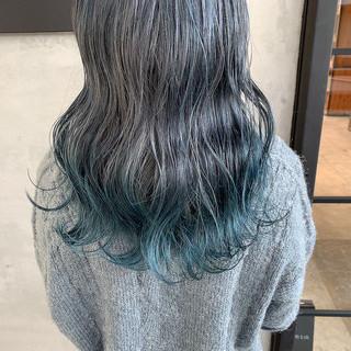 ブルーグラデーション ストリート ブルー ハイライト ヘアスタイルや髪型の写真・画像