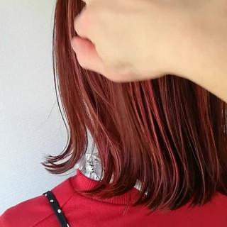 ミディアム ピンク フェミニン インナーカラー ヘアスタイルや髪型の写真・画像