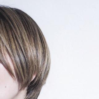 ナチュラル 大人ハイライト グレージュ ハイライト ヘアスタイルや髪型の写真・画像