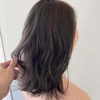ミディアム デート ナチュラル オフィス ヘアスタイルや髪型の写真・画像