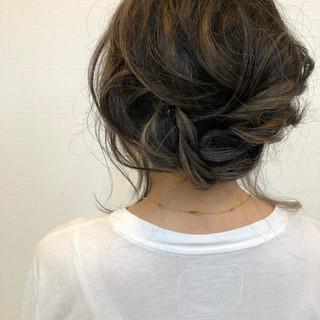 バレイヤージュ ヘアアレンジ 簡単ヘアアレンジ 大人ヘアスタイル ヘアスタイルや髪型の写真・画像