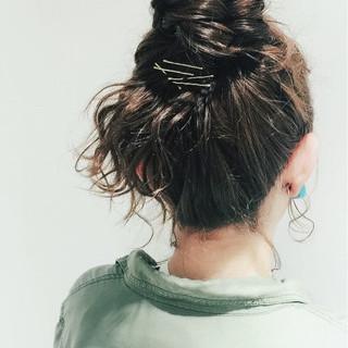 ミディアム グレージュ 簡単ヘアアレンジ 夏 ヘアスタイルや髪型の写真・画像 ヘアスタイルや髪型の写真・画像