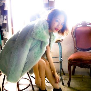 冬 色気 ストレート フェミニン ヘアスタイルや髪型の写真・画像 ヘアスタイルや髪型の写真・画像