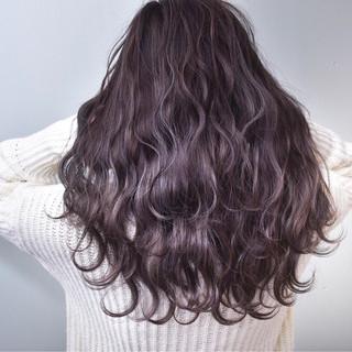 ロング ラベンダーピンク ラベンダー グレージュ ヘアスタイルや髪型の写真・画像