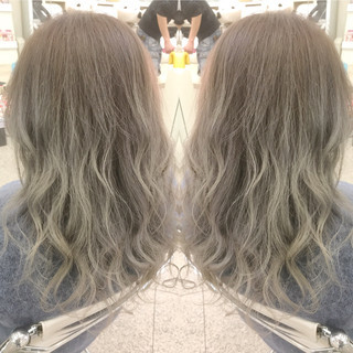 ロング グラデーションカラー エレガント 巻き髪 ヘアスタイルや髪型の写真・画像 ヘアスタイルや髪型の写真・画像