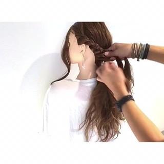 ロング デート 三つ編み 結婚式 ヘアスタイルや髪型の写真・画像 ヘアスタイルや髪型の写真・画像
