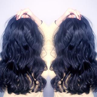 ゆるふわ セミロング 黒髪 外国人風 ヘアスタイルや髪型の写真・画像