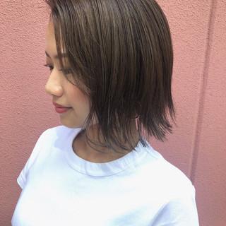 ブリーチなし ガーリー 透明感 オリーブアッシュ ヘアスタイルや髪型の写真・画像