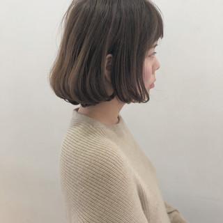 ガーリー グレージュ ショートボブ ショート ヘアスタイルや髪型の写真・画像