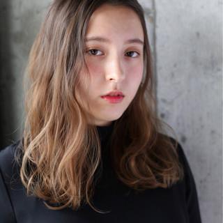 ミディアム 秋 デジタルパーマ 大人かわいい ヘアスタイルや髪型の写真・画像