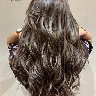 エアータッチ グラデーションカラー ナチュラル ハイライト ヘアスタイルや髪型の写真・画像 ヘアスタイルや髪型の写真・画像