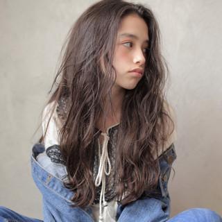 ゆるふわ アンニュイほつれヘア ロング ナチュラル ヘアスタイルや髪型の写真・画像 ヘアスタイルや髪型の写真・画像