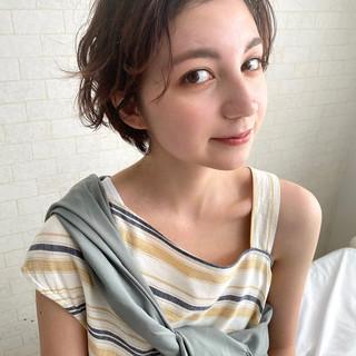 ショートヘア パーマ アンニュイほつれヘア 大人カジュアル ヘアスタイルや髪型の写真・画像