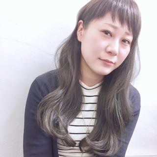 アッシュ 外国人風 イルミナカラー セミロング ヘアスタイルや髪型の写真・画像