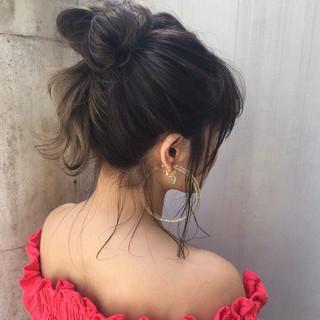 デート ミディアム ヘアアレンジ パーマ ヘアスタイルや髪型の写真・画像