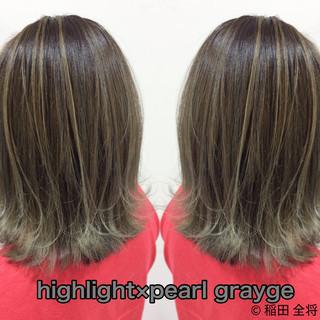 ミディアム ヘアカラー グレージュ ストリート ヘアスタイルや髪型の写真・画像
