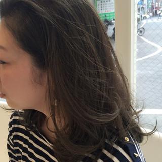 暗髪 イルミナカラー ハイライト ストリート ヘアスタイルや髪型の写真・画像