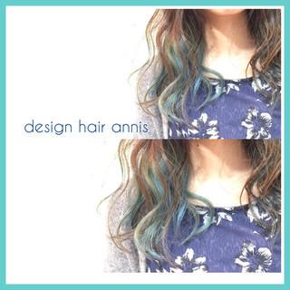 グラデーションカラー アッシュ セミロング 暗髪 ヘアスタイルや髪型の写真・画像