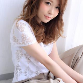 外国人風 チークライン 前髪あり 大人女子 ヘアスタイルや髪型の写真・画像 ヘアスタイルや髪型の写真・画像