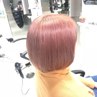 ハイトーン ボブ ストリート ベージュ ヘアスタイルや髪型の写真・画像