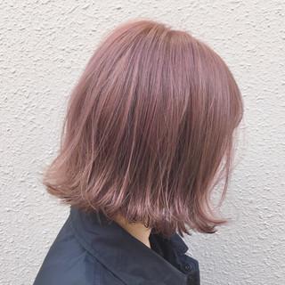 ピンクアッシュ ベージュ ストリート 外ハネ ヘアスタイルや髪型の写真・画像