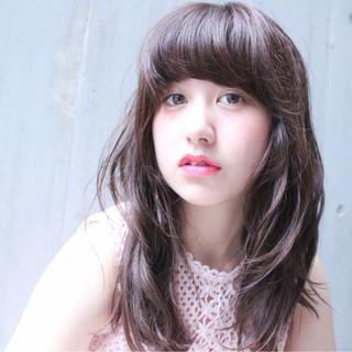 フェミニン ピュア ナチュラル ワイドバング ヘアスタイルや髪型の写真・画像