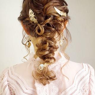 編みおろし ロング 結婚式 ナチュラル ヘアスタイルや髪型の写真・画像