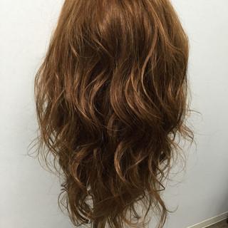 外国人風 パーマ ロング ストリート ヘアスタイルや髪型の写真・画像