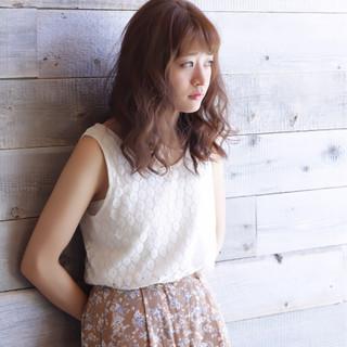 女子会 ヘアアレンジ アウトドア セミロング ヘアスタイルや髪型の写真・画像