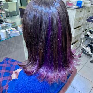 インナーカラーパープル ヴァイオレット モード ブリーチカラー ヘアスタイルや髪型の写真・画像