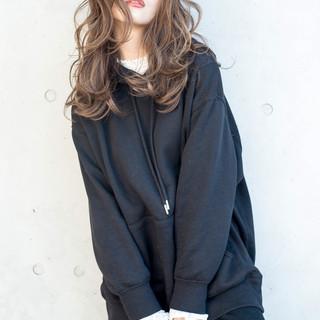 透け感アッシュ 大人女子 セミロング アンニュイほつれヘア ヘアスタイルや髪型の写真・画像