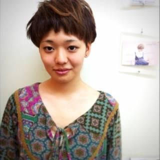 大人女子 ナチュラル 刈り上げ マッシュ ヘアスタイルや髪型の写真・画像