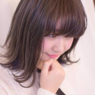 ネイビー インナーカラー ダブルカラー 外ハネ ヘアスタイルや髪型の写真・画像